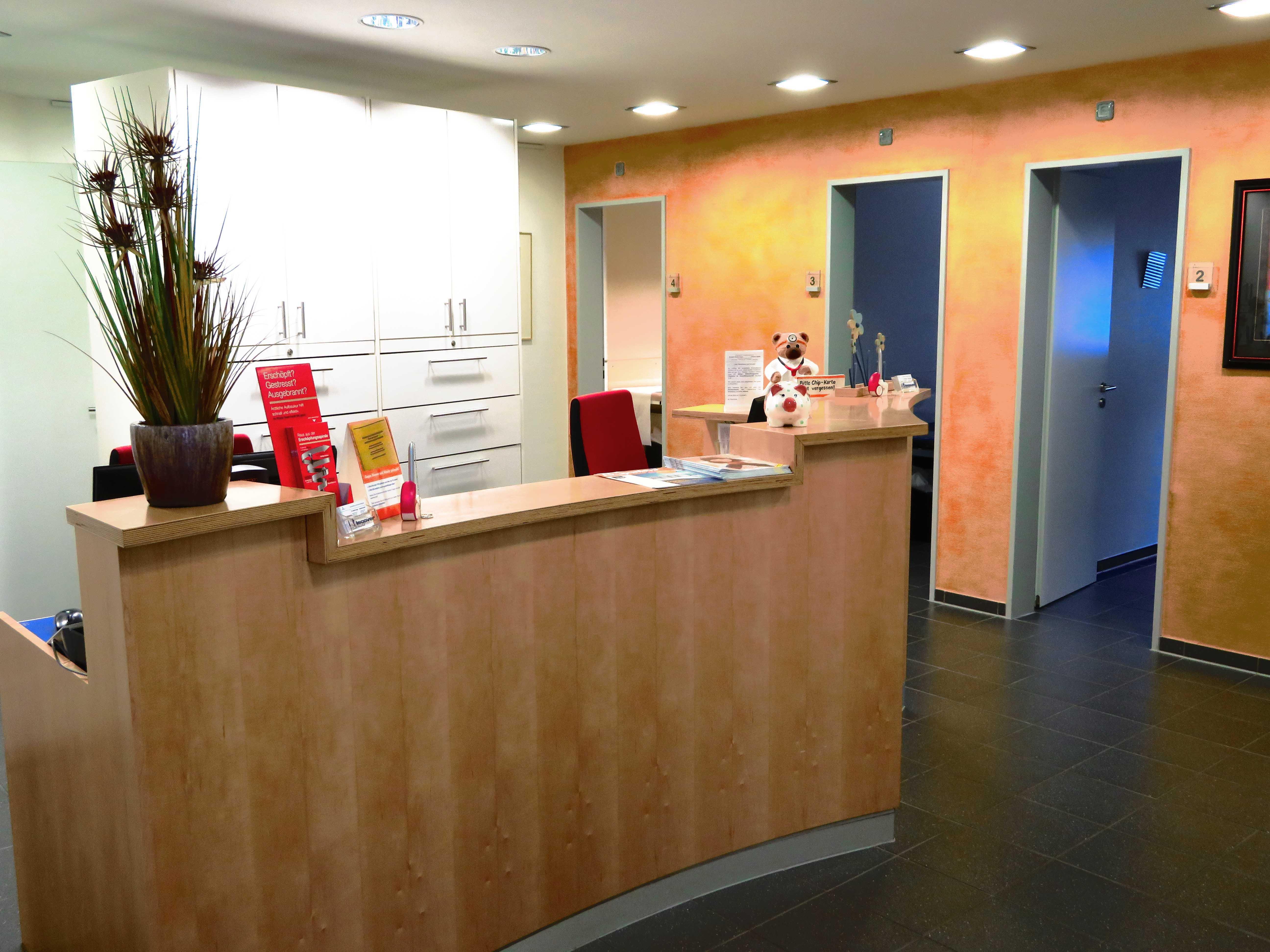 Hausarztpraxis Aachen,Hausarzt Aachen,Hausärzte Aachen,Dr. Jager, Scheid,Akupunktur Aachen,Reisemedizin Aachen,Sportmedizin Aachen,Leistungen Aachen